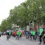 Die Fahrer in den grünen Trikots erzeugten große Aufmerksamkeit.