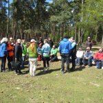 Pause und Besprechung mitten im Wald