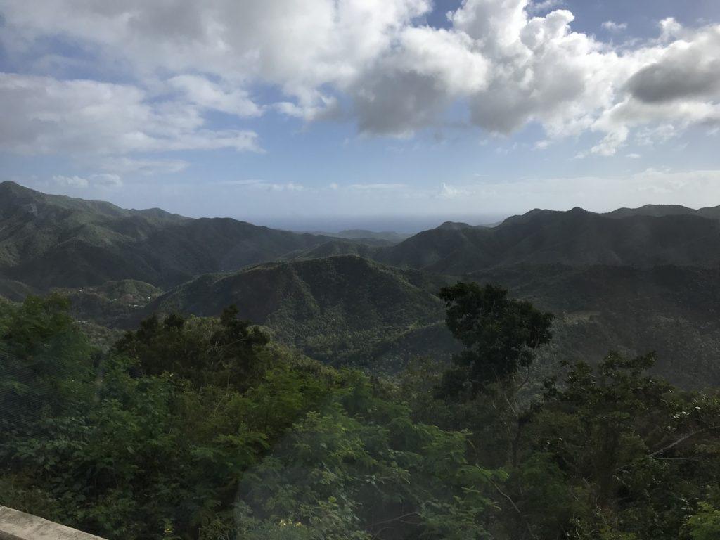 Berglandschaft auf dem Weg nach Camagüey